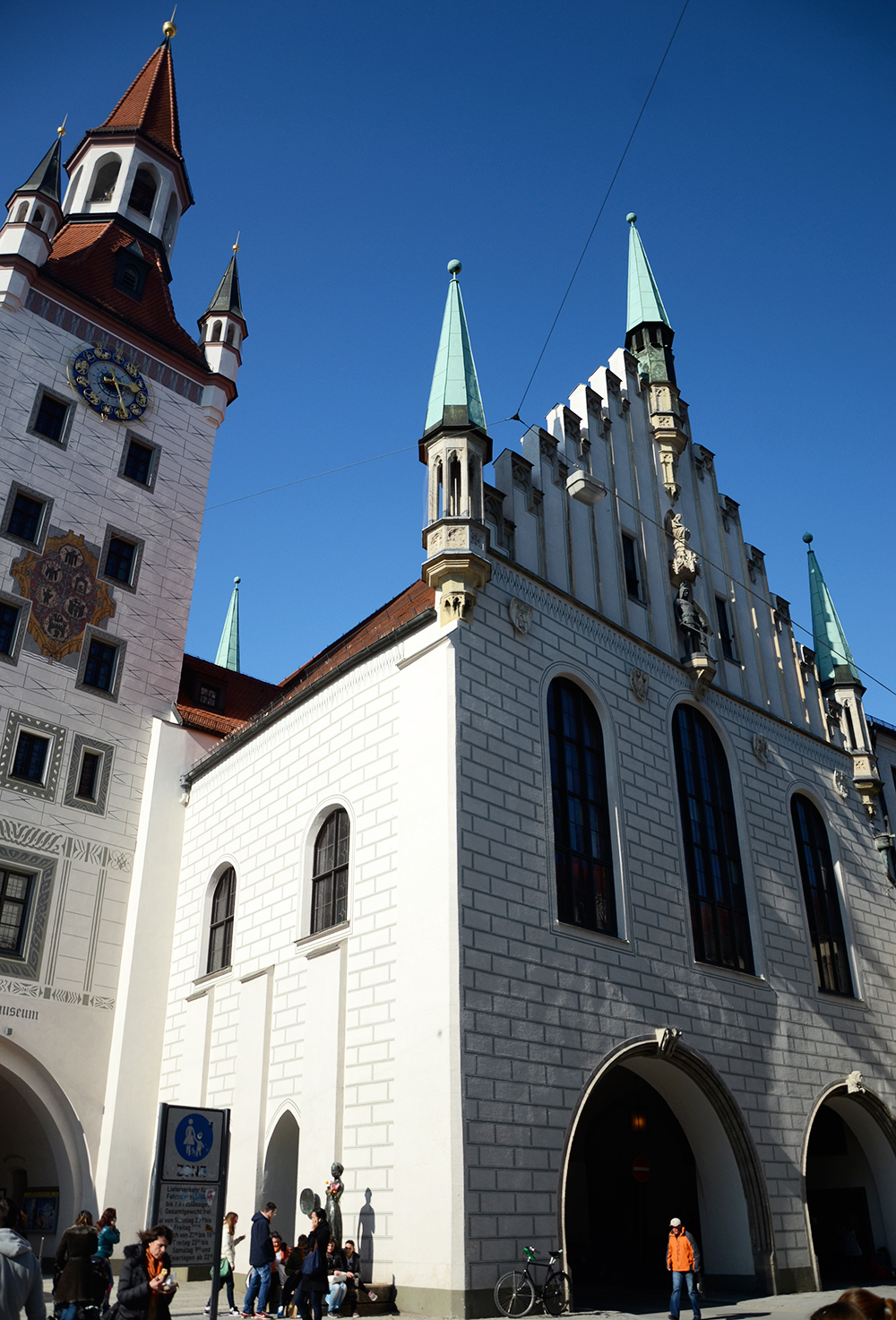 Vista trasera del Altes Rathaus de Múnich