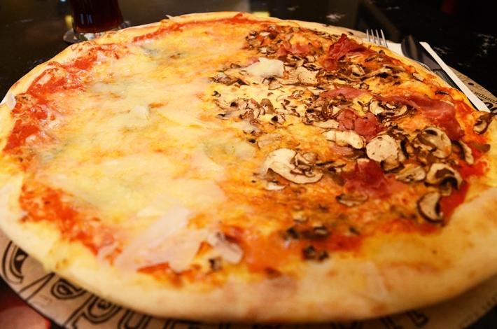 Pizza de dos variedades