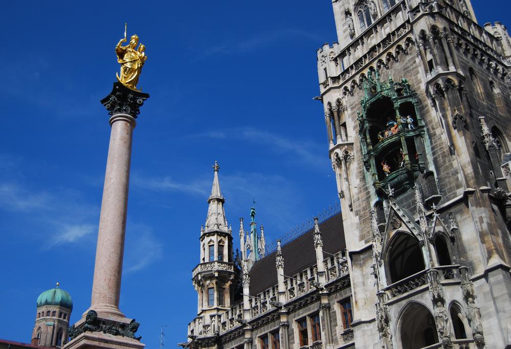 La columna de María y el Neues Rathaus, en Marienplatz