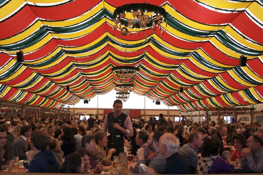 Carpa de cerveza en Frühlingsfest de 2012