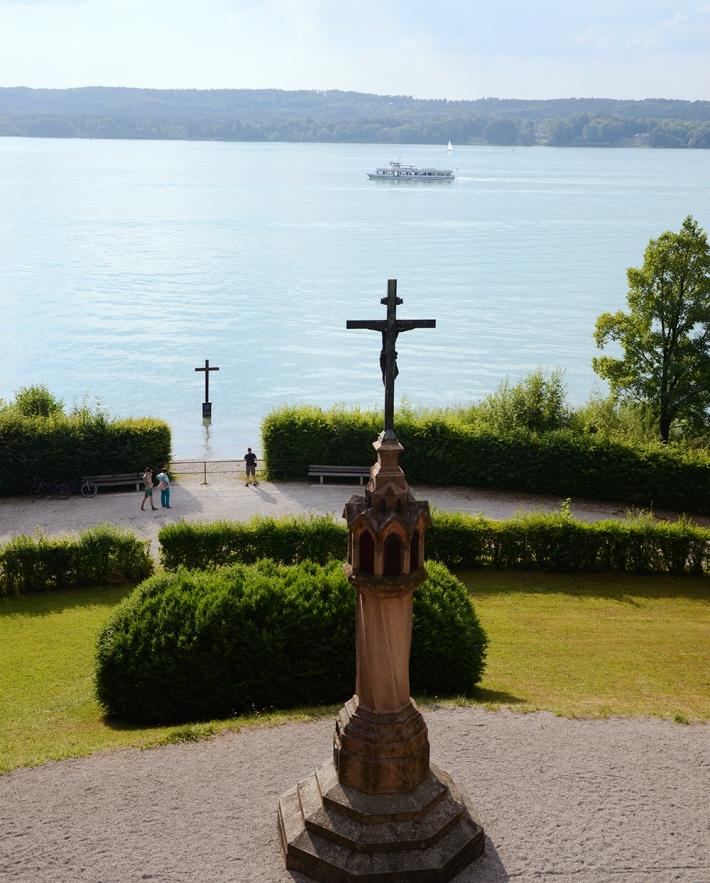 Cruces en recuerdo de Luis II
