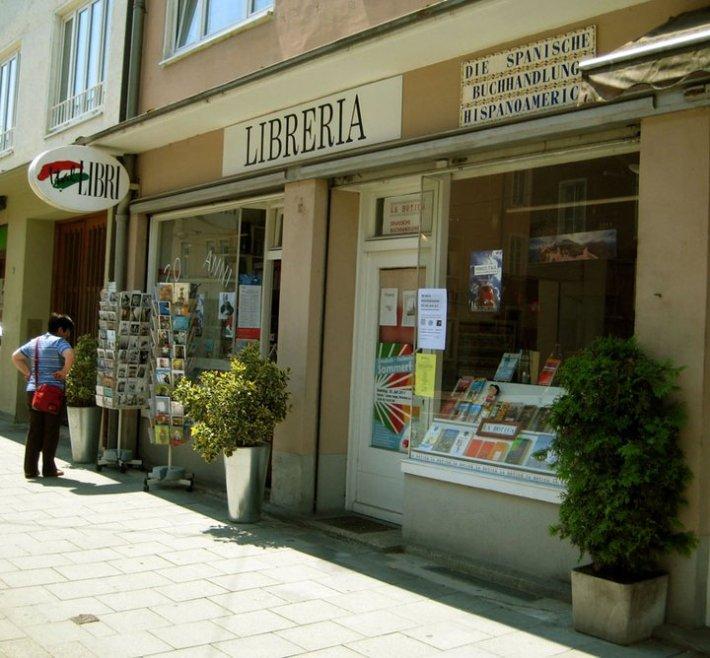 Exterior de la Librería Española. /LE