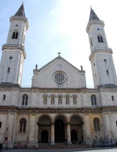 Fachada principal de la Ludwigskirche
