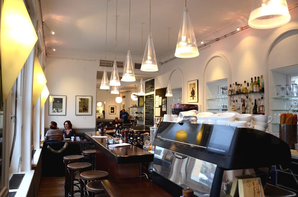 Interior del Café Ruffini desde la barra