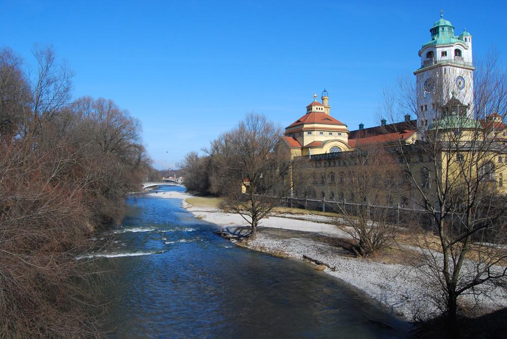 Río Isar a su paso por Múnich