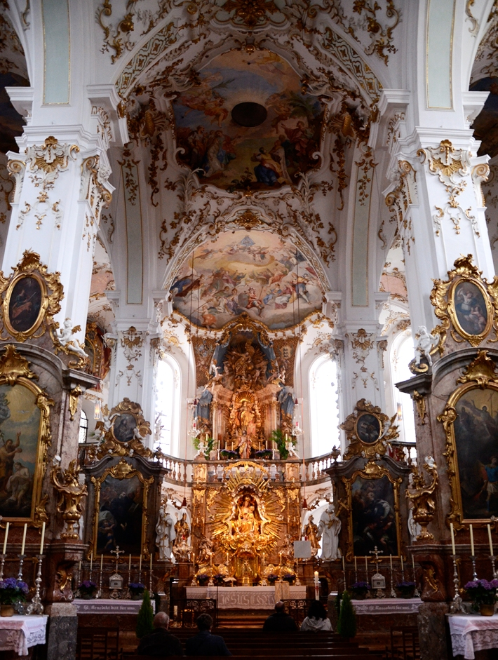 Interior de la iglesia, rococó
