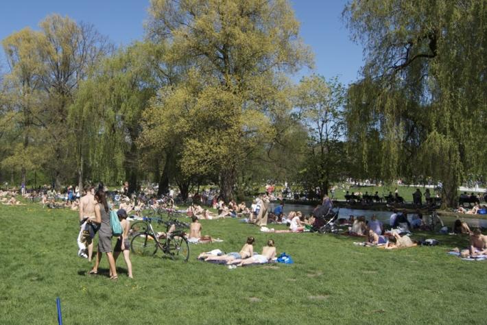 Baño en el Eisbach, Englischer Garten