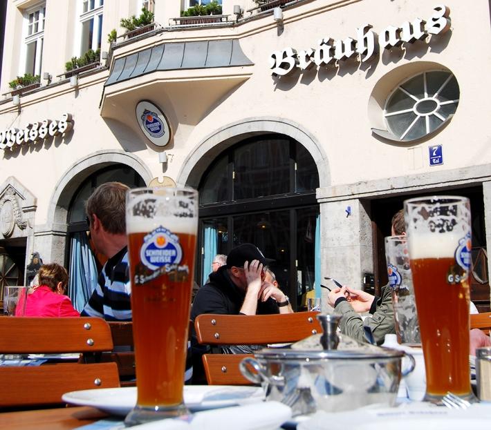 Cervezas de trigo en la Weisses Bräuhaus muniquesa