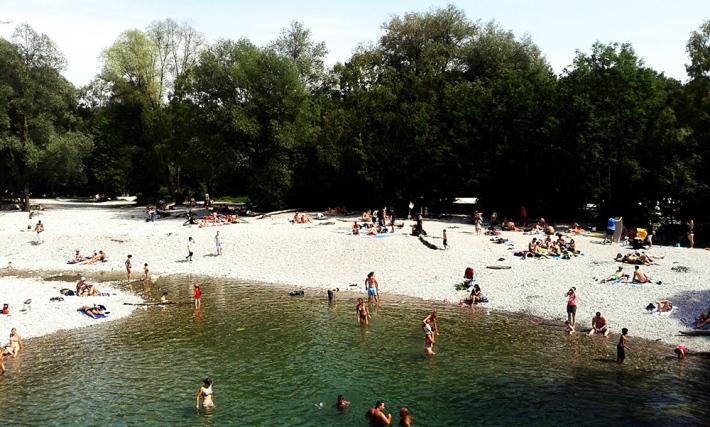 Baño en el Isar. /MARTA MONTALVO