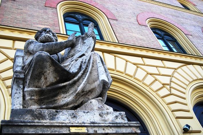 Homero, a la puerta de la Biblioteca Estatal de Baviera