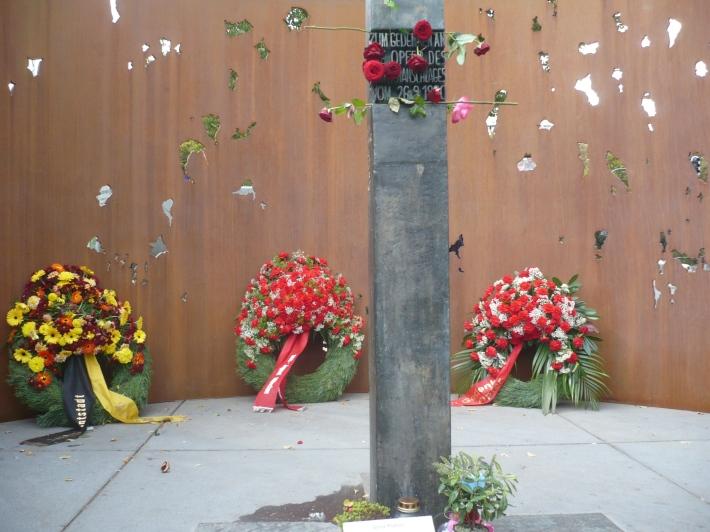 Memorial en recuerdo de las víctimas. /CC WIKIPEDIA
